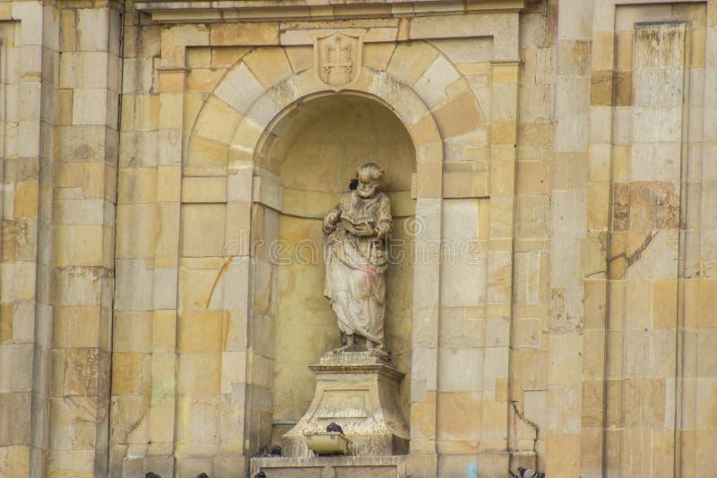 Het marmolstandbeeld Van de binnenstad van landschapsbogota Colombia Simon royalty-vrije stock fotografie