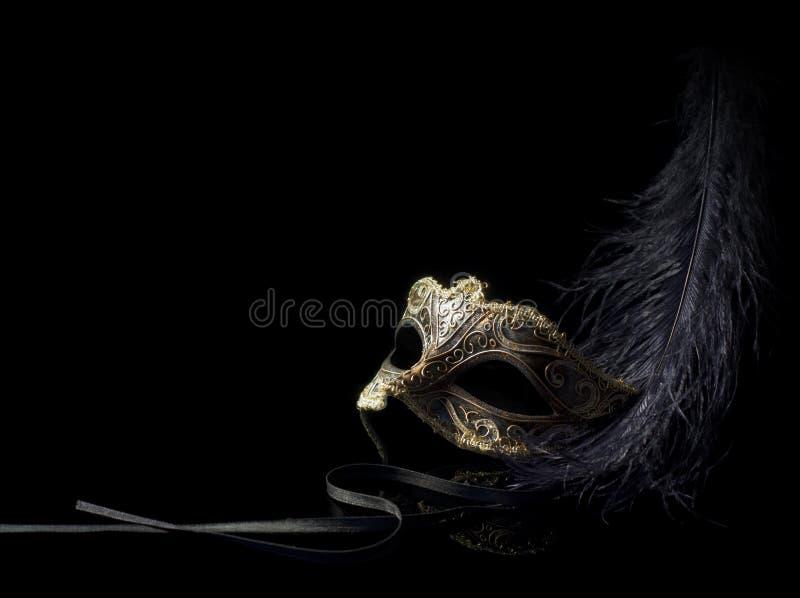 Het masker van Carnaval dat op zwarte wordt geïsoleerdr stock fotografie