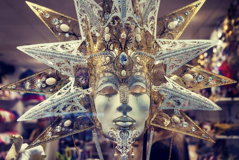 Het masker van luxecarnaval in Venetië stock afbeelding