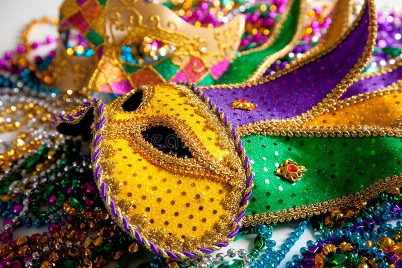 Download Het Maskerachtergrond Van Gras Van Mardi Stock Foto - Afbeelding bestaande uit vermomming, gezicht: 10779452