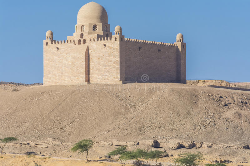 Het Mausoleum van Aga Khan in Aswan, Egypte stock foto