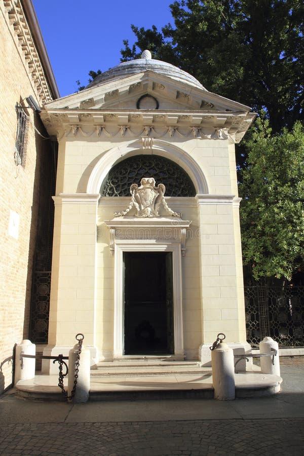 Het mausoleum van Alighieri van Dante stock afbeeldingen