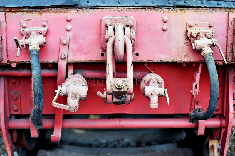 Het mechanisme van de verbindingenwagen van een oude stoomtrein stock fotografie