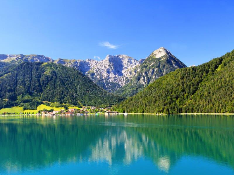 Het meer Achensee in Oostenrijk stock fotografie