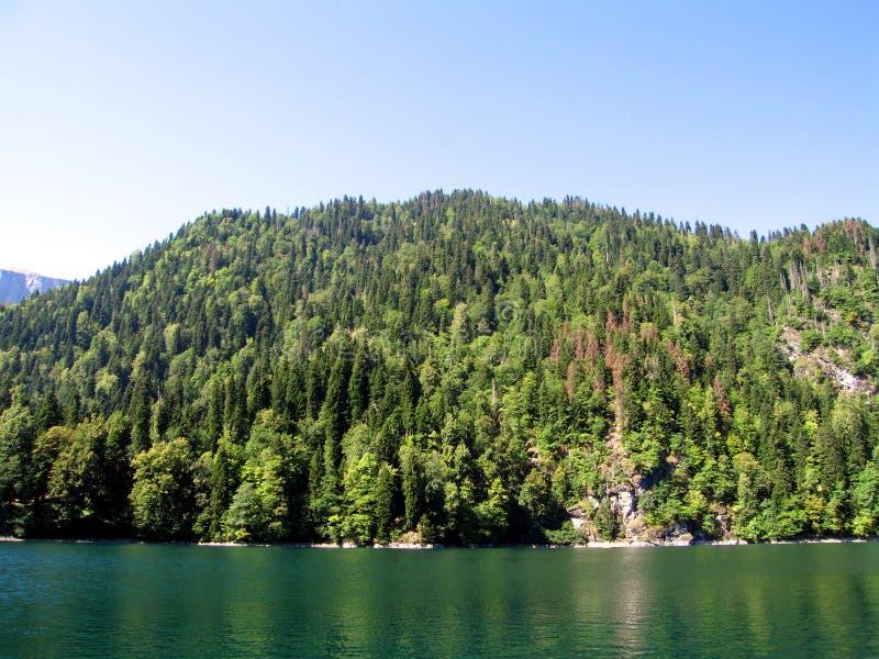 Het meer Ritsa van de berg stock foto