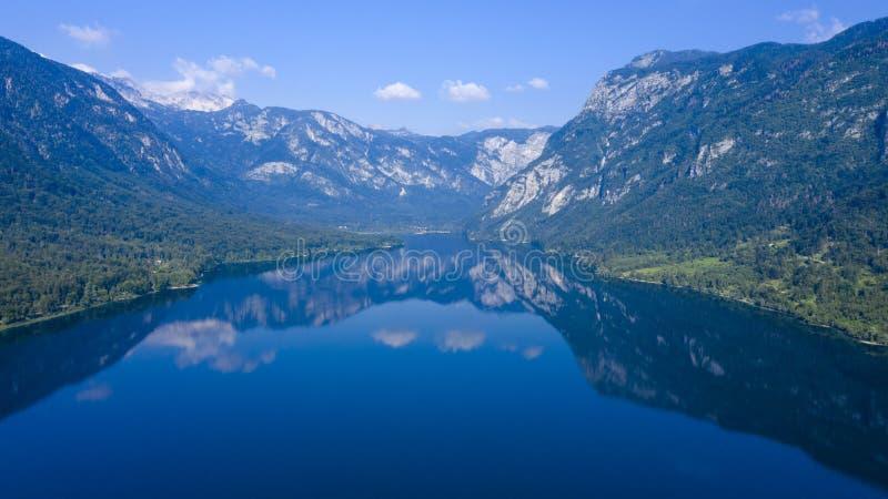 Het meer van Bohinj in Sloveni? royalty-vrije stock afbeelding