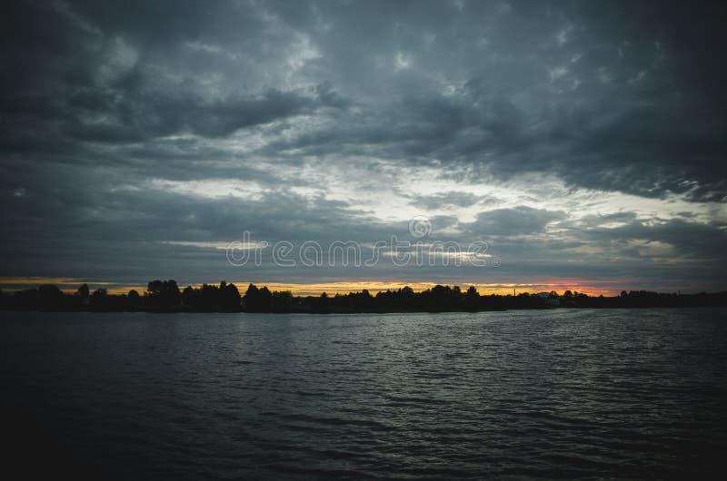 Het Meer van de avond stock fotografie
