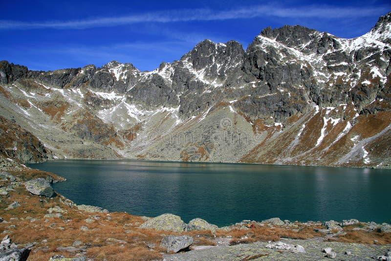 Het meer van de berg in de herfst (pleso Hincovo) royalty-vrije stock foto's