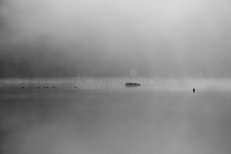 Het meer van de geheimzinnigheid stock foto