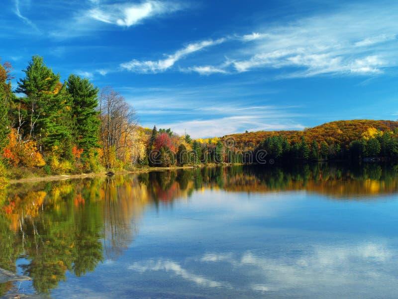 Het meer van de herfst royalty-vrije stock foto