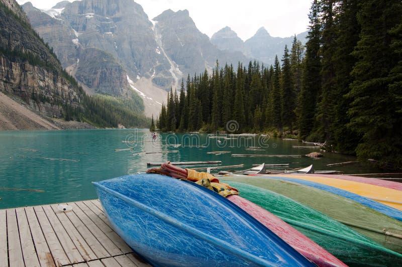 Het Meer van de morene, Alberta, Canada stock afbeelding