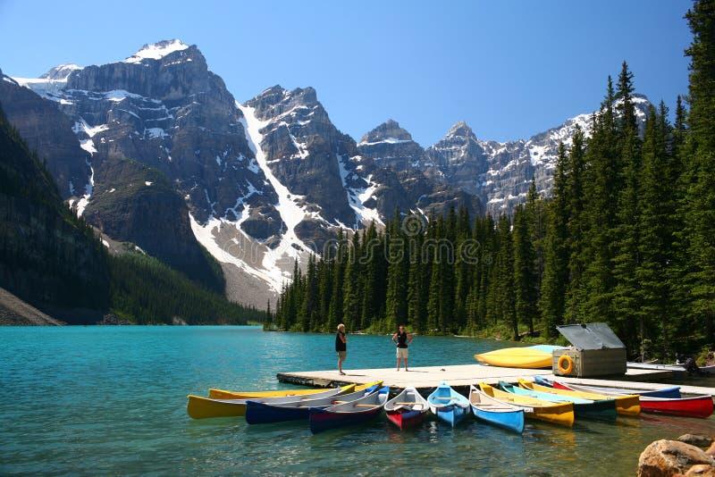 Het meer van de morene, Banff Nationaal Park, Canada stock foto's