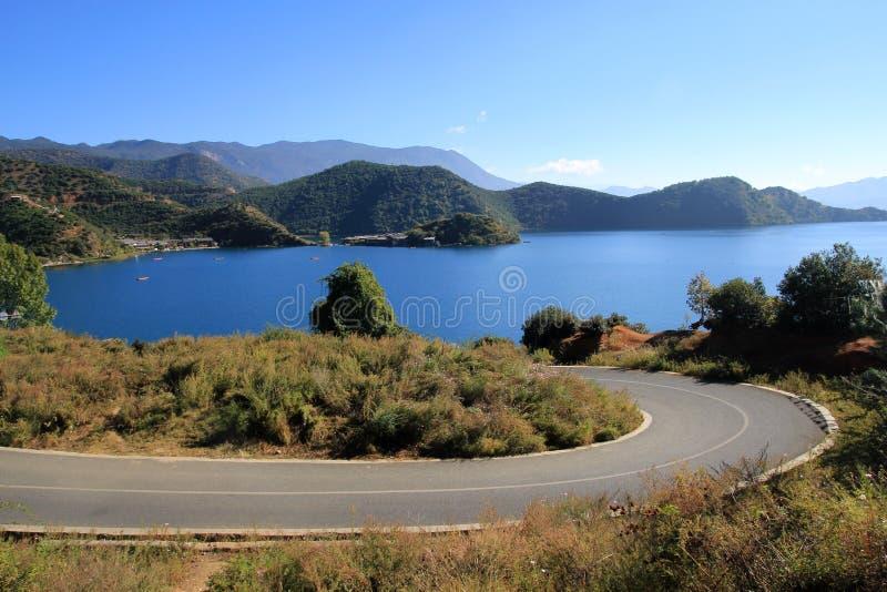 Het meer van Lugu royalty-vrije stock afbeeldingen