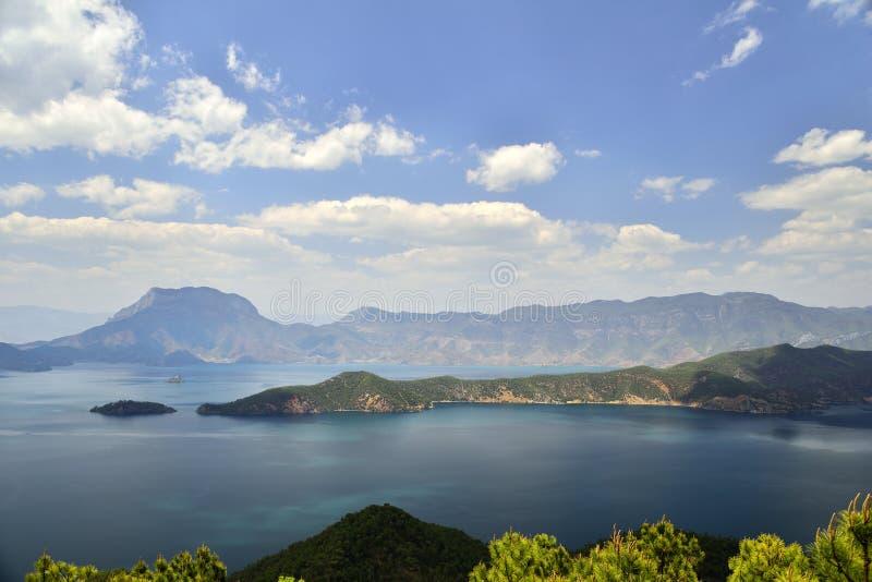 Het Meer van Lugu royalty-vrije stock foto