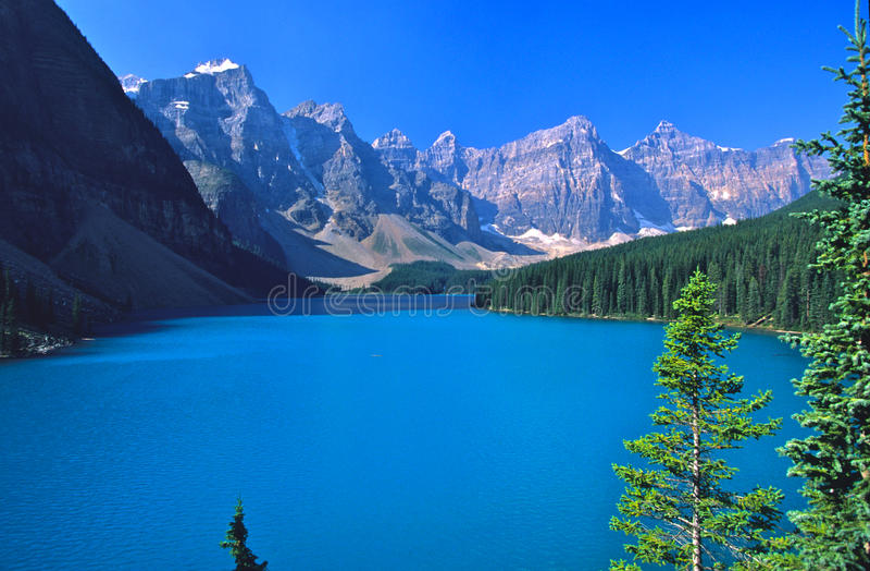 Het Meer van Morraine in Banff stock afbeeldingen