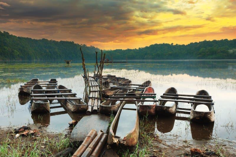 Het meer van Tamblingan stock afbeeldingen