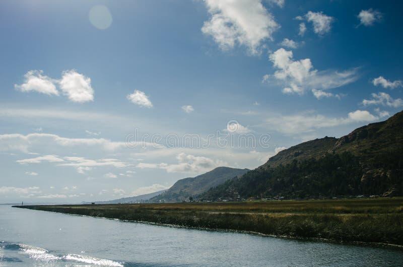 Het meer van Titicaca stock foto's