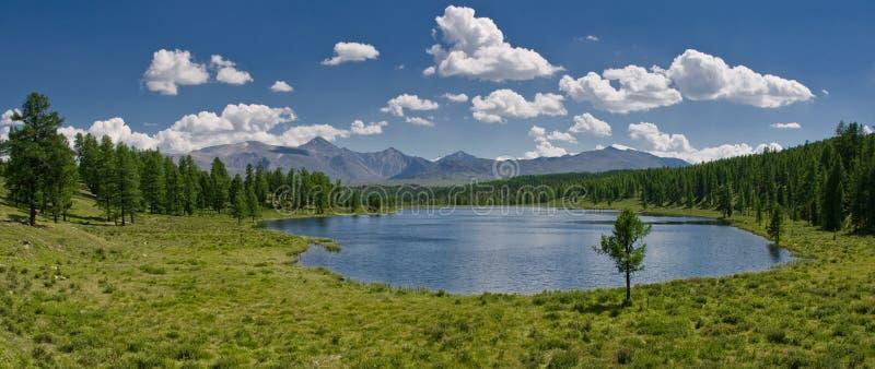 Het meerpanorama van de berg royalty-vrije stock foto
