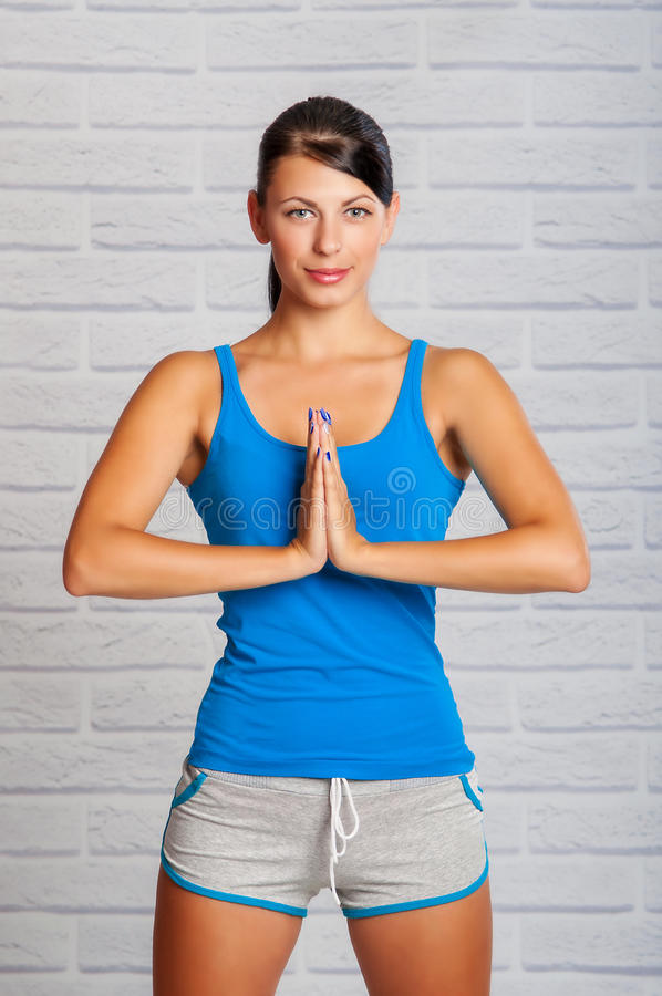 Het meisje is bezig geweest met yoga royalty-vrije stock fotografie