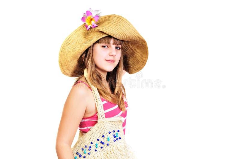 Het meisje dat van de tiener naar het strand gaat royalty-vrije stock foto