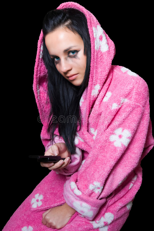Het meisje dat van Emo na het lezen schreeuwt sms stock afbeelding