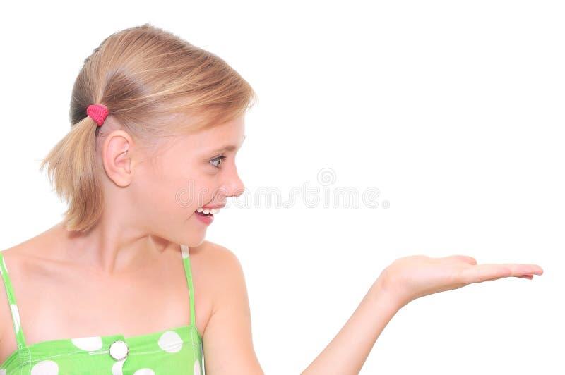 Het meisje met adverteert gebaar royalty-vrije stock fotografie