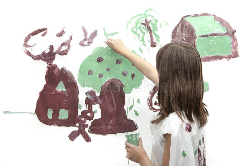Download Het Meisje Schildert Een Beeld Stock Foto - Afbeelding bestaande uit gelukkig, onderwijs: 54090166