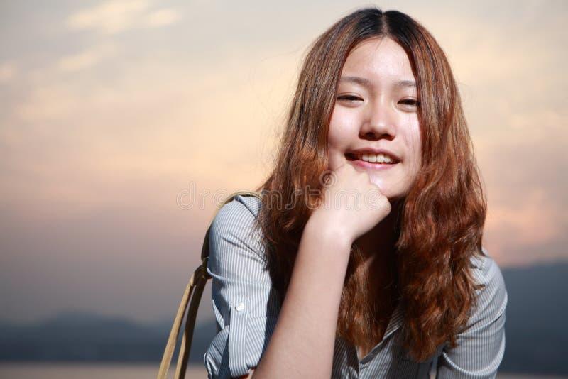 Het meisje van Asain stock afbeeldingen
