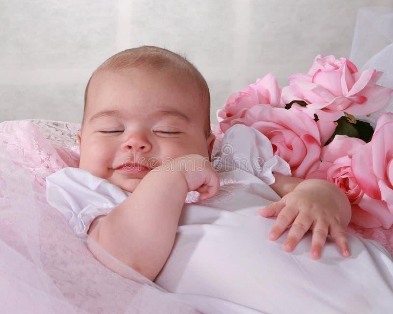 Download Het Meisje Van De Baby Het Glimlachen Stock Afbeelding - Afbeelding bestaande uit binnen, vier: 10782635