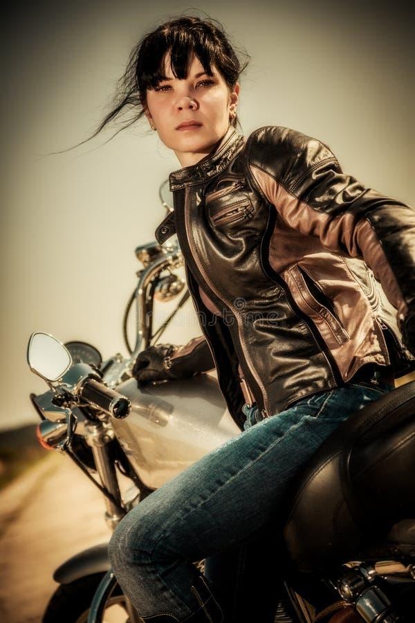 Het meisje van de fietser royalty-vrije stock foto