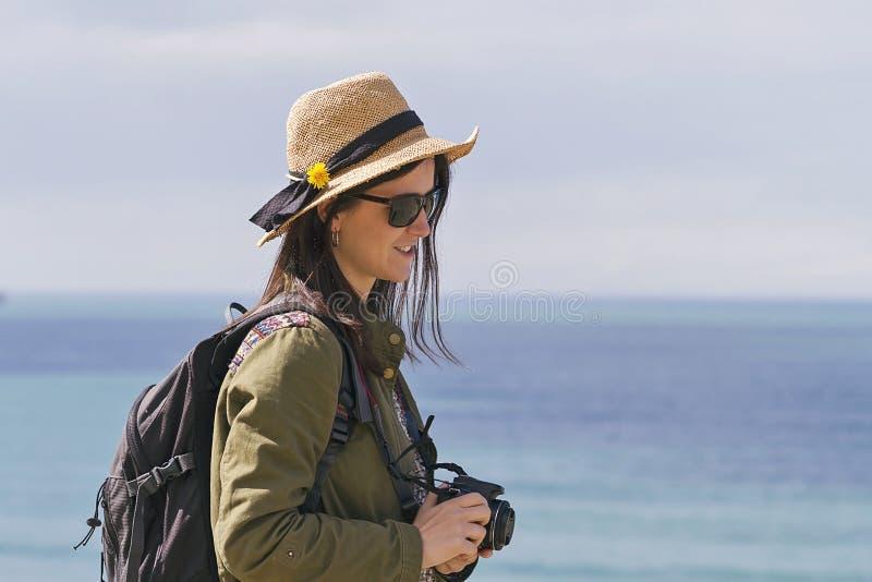 Het meisje van de Hipsterreiziger royalty-vrije stock foto's
