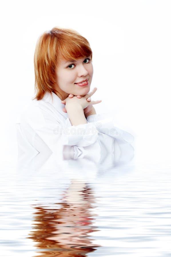 Het meisje van de schoonheid in water royalty-vrije stock foto's