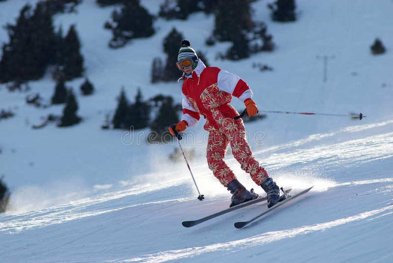 Het meisje van de ski zet helling aan royalty-vrije stock afbeeldingen