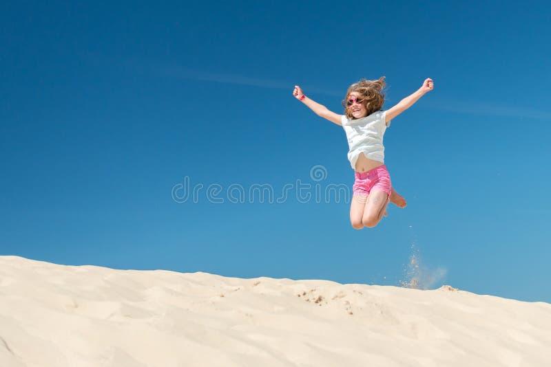 Het meisje van de sprong stock afbeeldingen