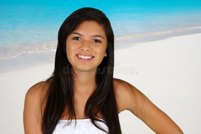 Het Meisje van de tiener bij Strand stock fotografie