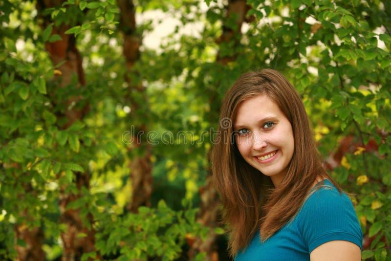 Het meisje van de tiener buiten stock afbeelding