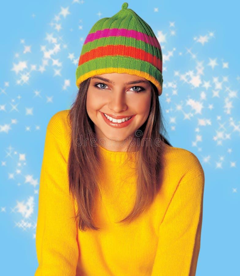 Het meisje van de tiener in de winterkleren royalty-vrije stock foto's