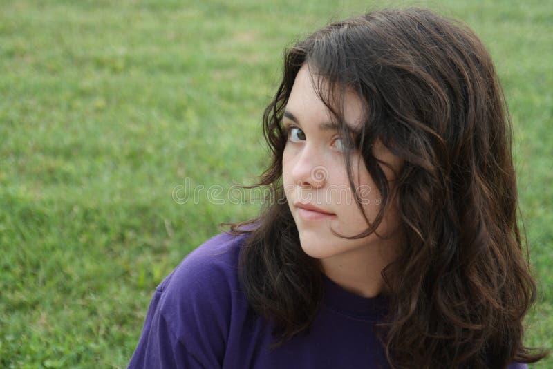 Het meisje van de tiener met houding stock foto