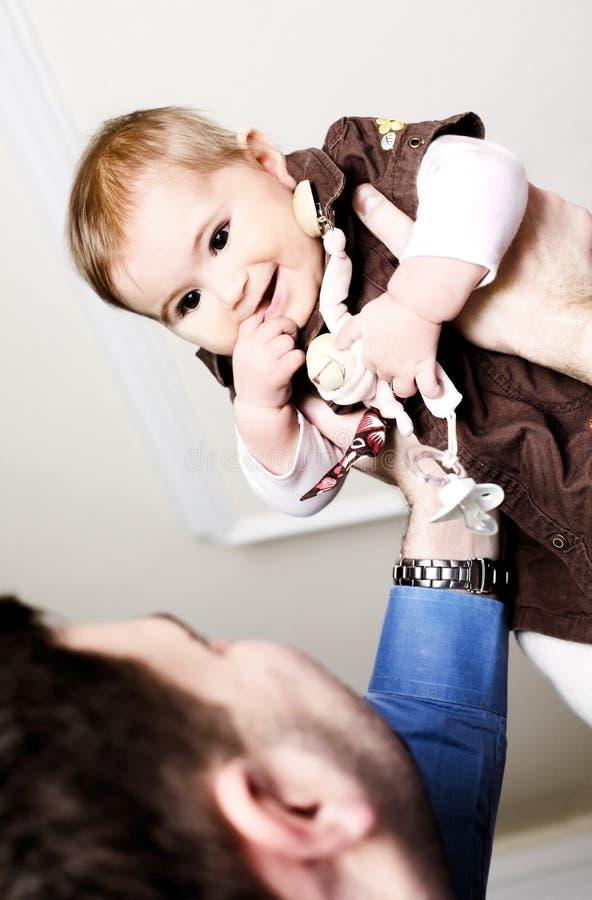 Het meisje van de vader en van de baby stock afbeeldingen