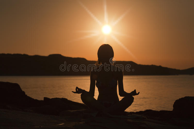 Het meisje van de yoga royalty-vrije stock foto's