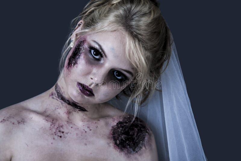 Het meisje van de zombie royalty-vrije stock afbeelding