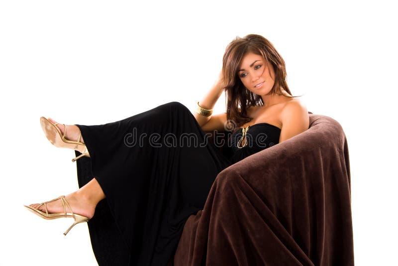 Het meisje van Glamourous als voorzitter royalty-vrije stock afbeelding