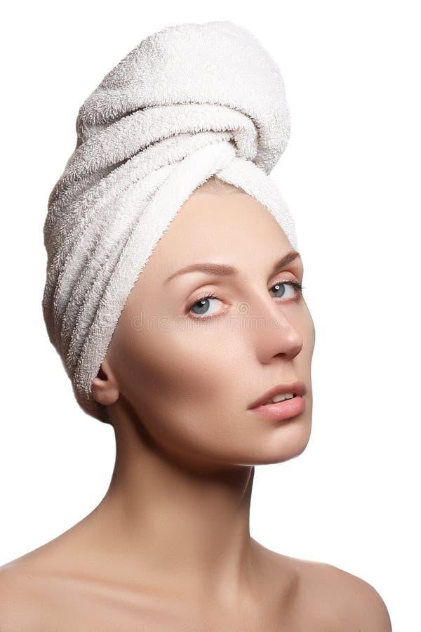 Het Meisje van het kuuroord Mooie Jonge Vrouw na bad Perfecte huid Skincare stock afbeelding