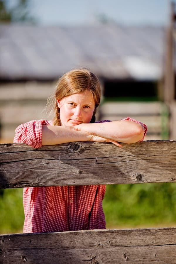 Het Meisje van het Landbouwbedrijf van het land stock foto's