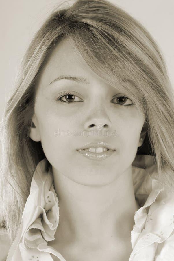 Het meisje van het portret in studio royalty-vrije stock fotografie