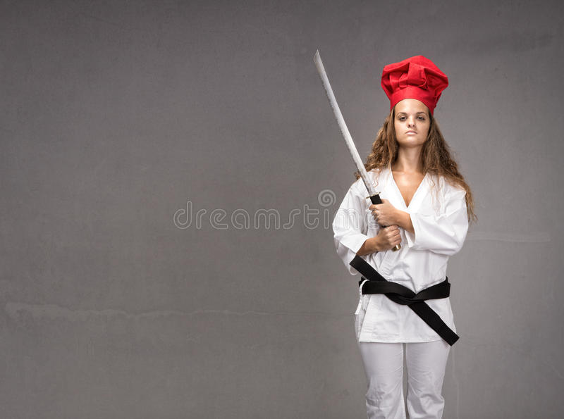 Het meisje van het sushirestaurant klaar voor het werk stock fotografie