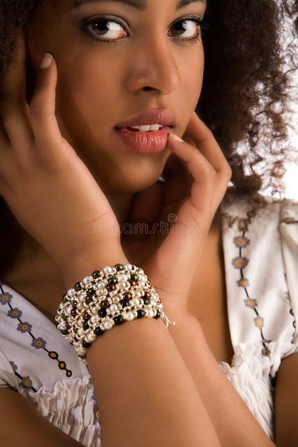 Het meisje is verleidend met haar gem royalty-vrije stock foto's