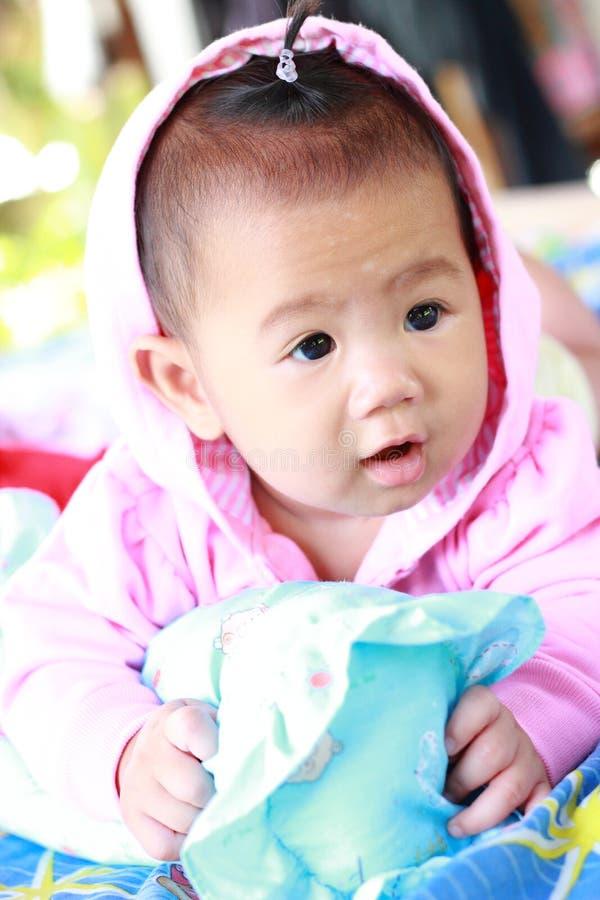 Download Het Meisjesportret Van De Baby Leuk Baby Stock Afbeelding - Afbeelding bestaande uit ogen, kaukasisch: 39114197