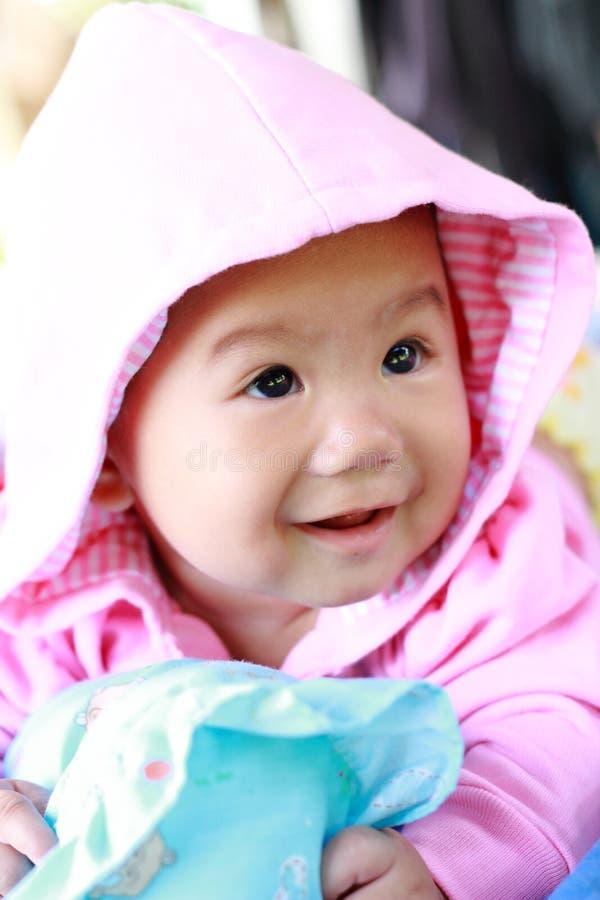 Download Het Meisjesportret Van De Baby Leuk Baby Stock Afbeelding - Afbeelding bestaande uit uitdrukking, mooi: 39114339