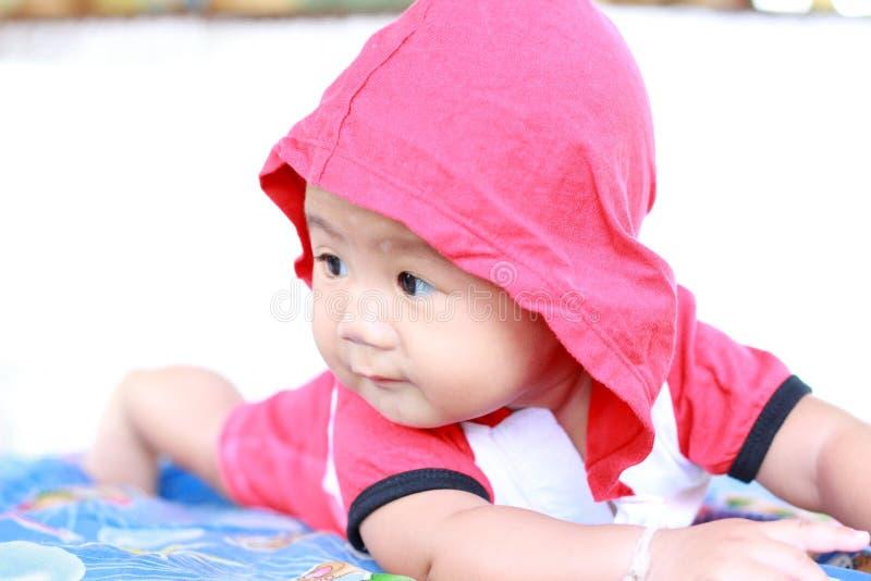 Download Het Meisjesportret Van De Baby Leuk Baby Stock Afbeelding - Afbeelding bestaande uit kaukasisch, crawling: 39114417